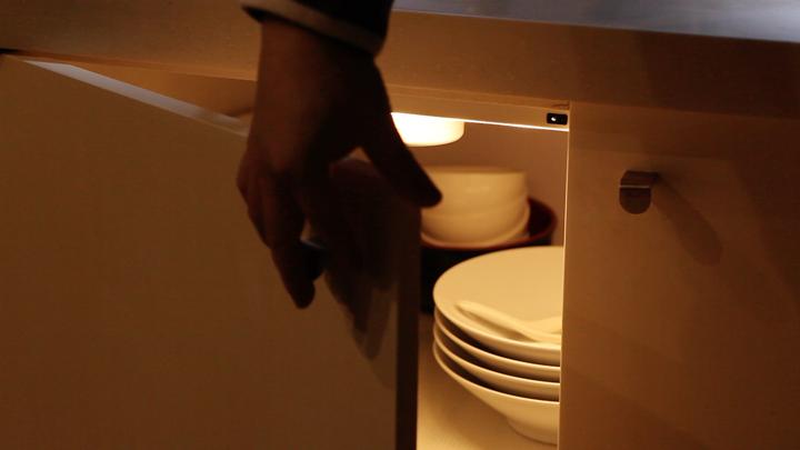给你的橱柜来一些灯光-米多饭香-A005